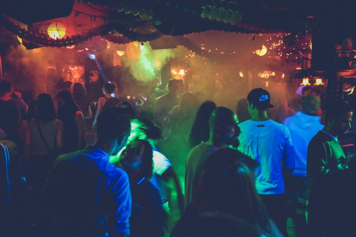 Zwangspause Fur Die Clubszene Tanzen Und Feiern Trotz Corona