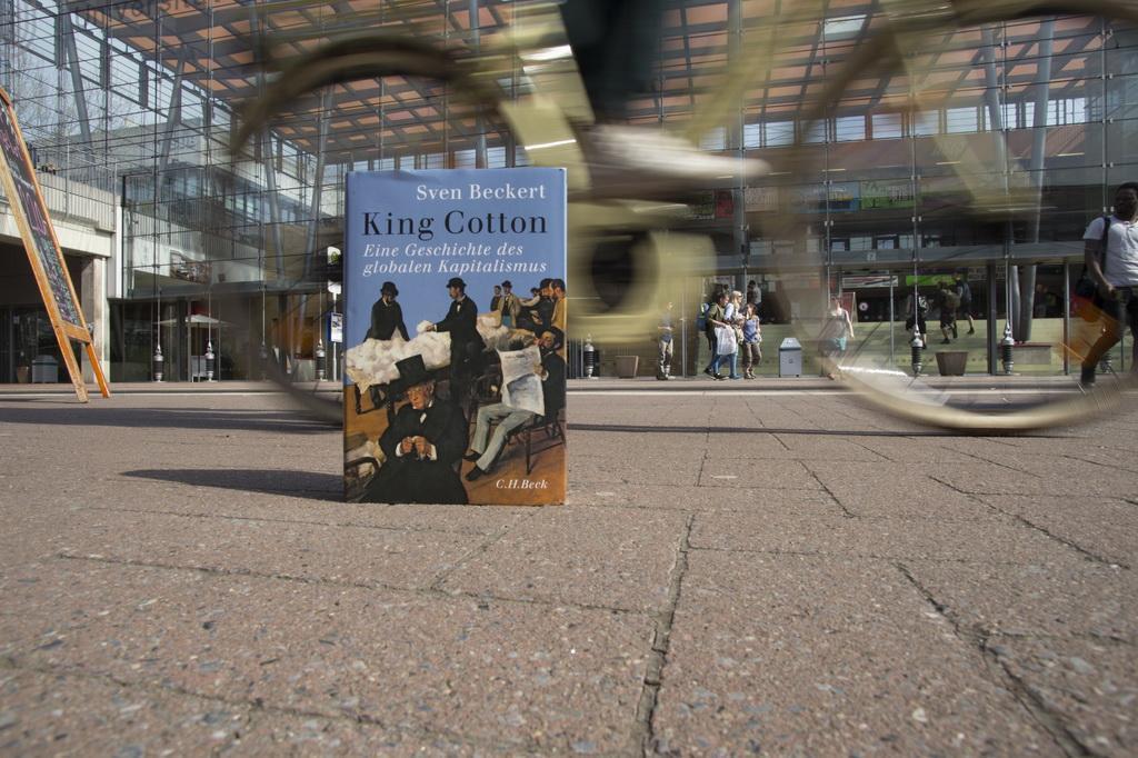 Eine Uni Ein Buch1 c Matej Maza