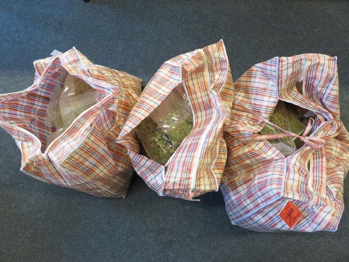 pol hb nr 0157 polizei bremen beschlagnahmt 40 kilo drogen