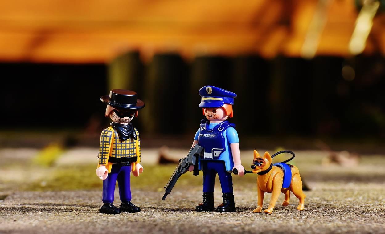 police 2081039 1920
